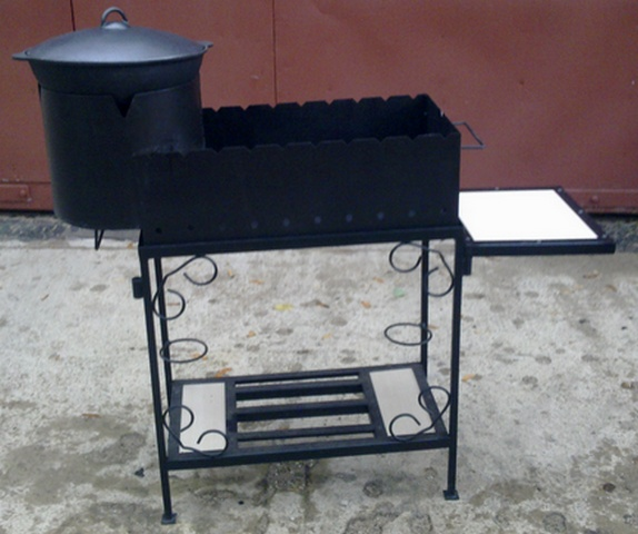 Мангал и печь для казана из металла